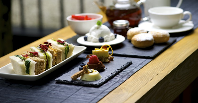 RAW Afternoon Tea | © RAW Restaurant | La Suite West Hotel