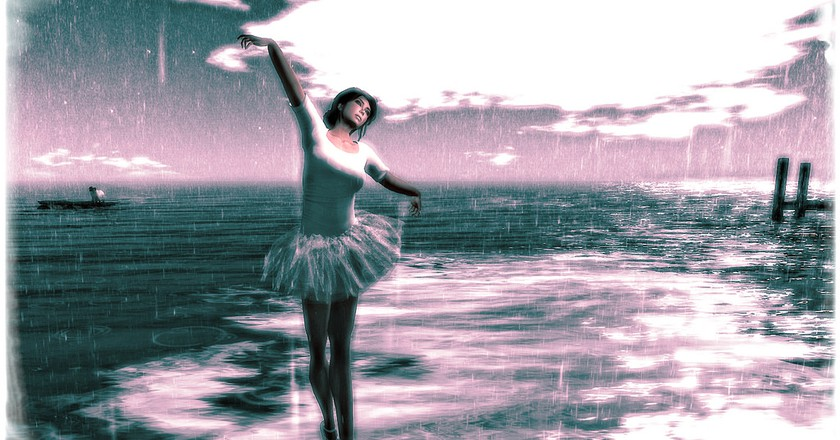Dancing in the rain| ©Josie Anderton/Flickr