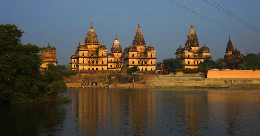 Orchha Temple on the banks of river Betwa | © Anshul Kumar Akhoury