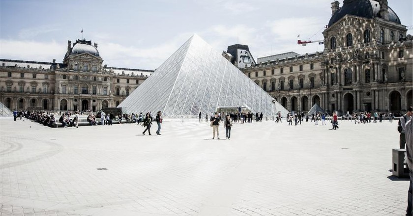 Reasons Why Paris Is Awesome In August