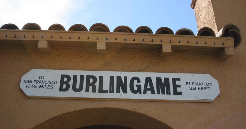 The CalTran Train Station in Burlingame, California | © Roland Tanglao/Flickr