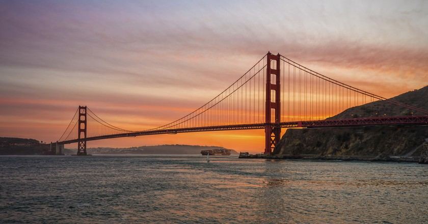 Sunset over the Golden Gate Bridge, viewed from Fort Baker © Tim Dickey/Flickr