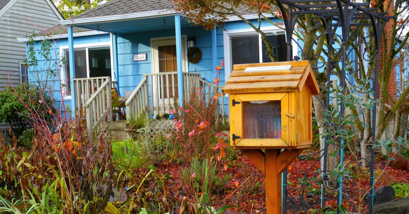 Little Free Library © Rick Obst/Flickr