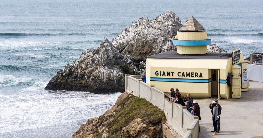 Seal Rock and the Camera Obscura © Don DeBold/Flickr