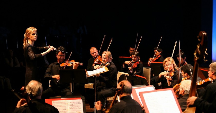 Inma Shara: Spain's Foremost Woman Conductor