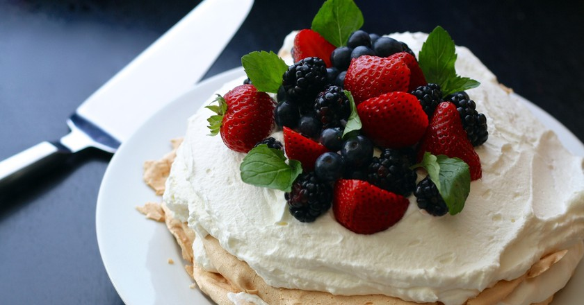 Pavlova with mixed berries | © ponce_photography/Pixabay