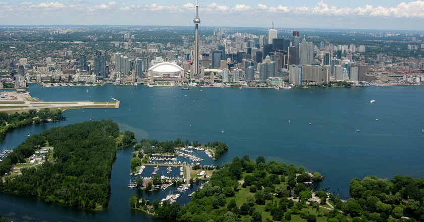 Toronto from airplane 2010 | © Ryan Stubbs/WikiCommons