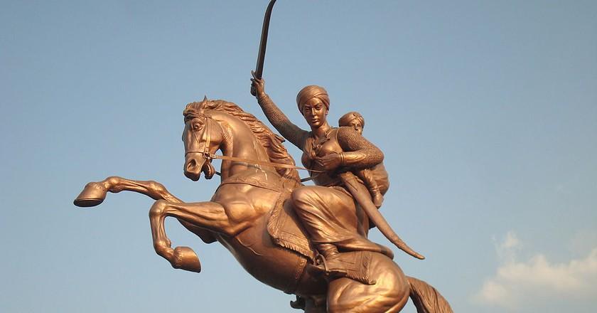 Rani Lakshmibai statue in Solapur | ©Dharmadhyaksha/WikiCommons
