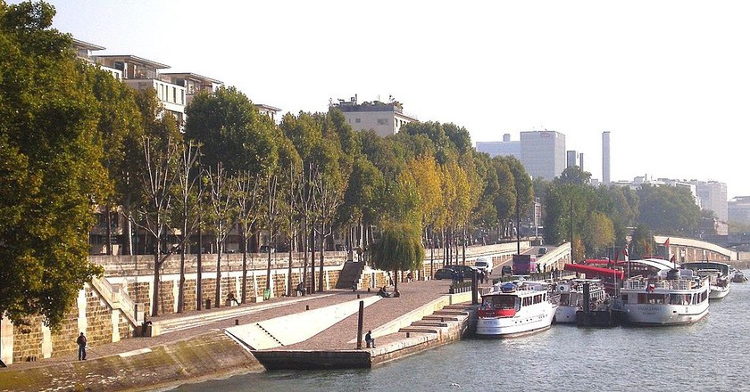 Quai Henri IV at the Île Louviers © Mbzt/WikiCommons
