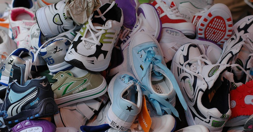 Shoes © Joe Hastings/Wikipedia