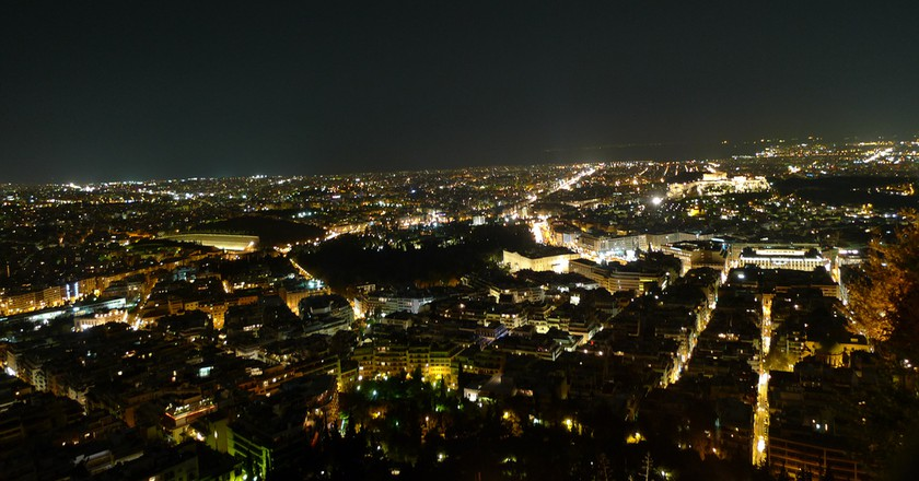 Night view of Athens from Lycabettus Hill |© Slayer/Flickr