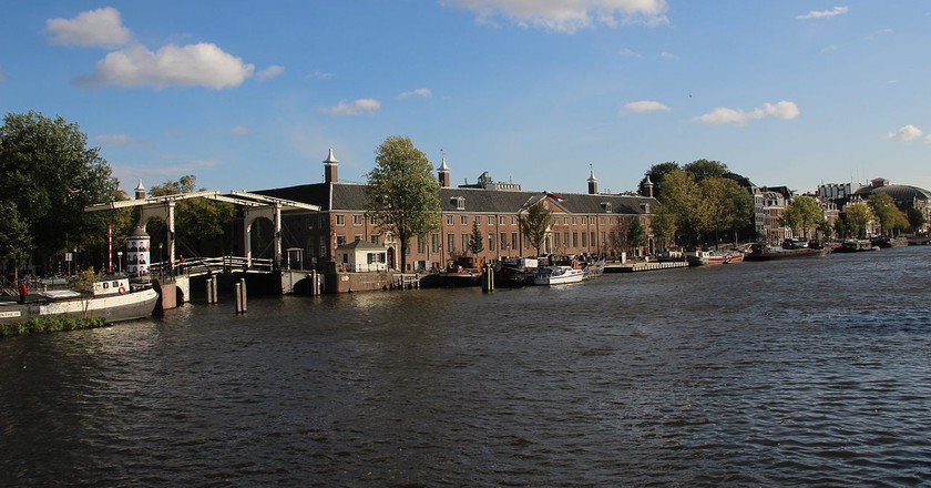 The Hermitage from the river Amstel | © A.A.W.J. Reitman / Wikicommons