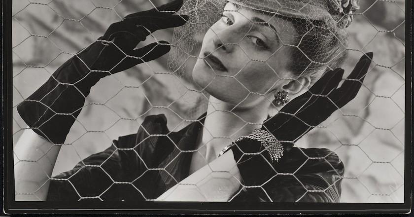 Erwin Blumenfeld, Vogue, Paris, 1938, courtesy of Osborne Samuel