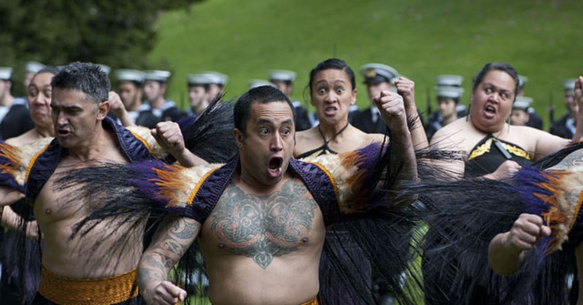 Māori performing a pōwhiri