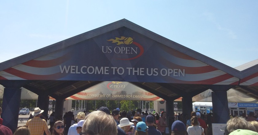 Welcome sign at the 2016 US Open   © Michael LoRe