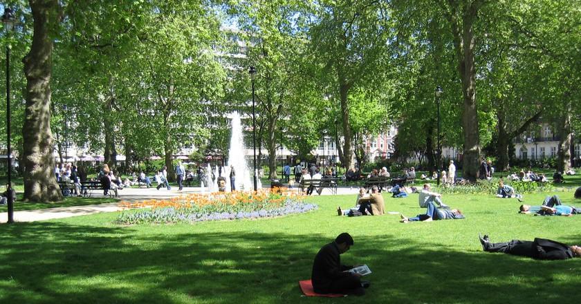 Russell Square in summer | ©Umezo KAMATA / Wikimedia Commons
