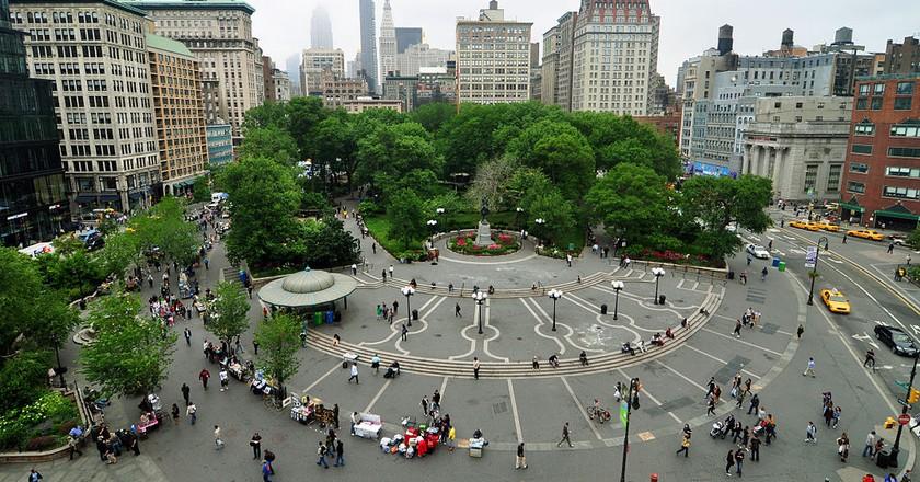 https://commons.wikimedia.org/wiki/File:1_new_york_city_union_square_2010.JPG
