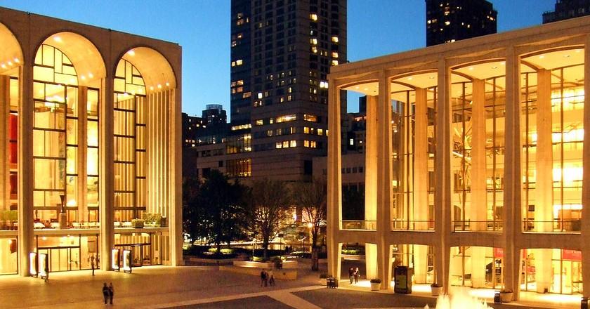 https://commons.wikimedia.org/wiki/File:Lincoln_Center_Twilight.jpg
