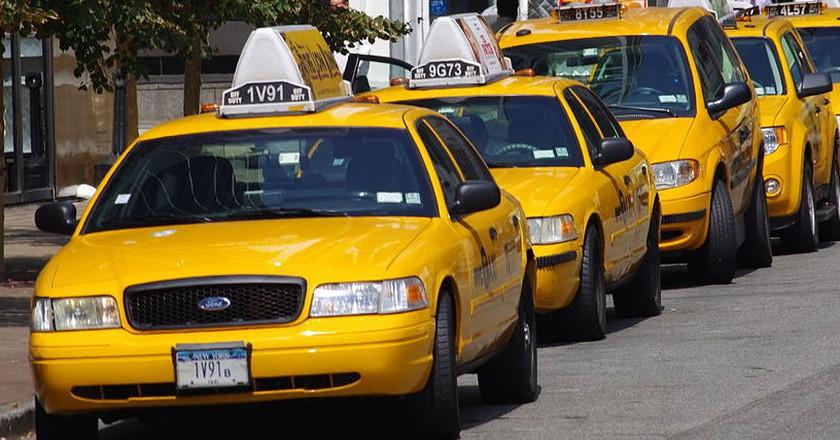 Yellow Cabs In New York |© ChevronZ/WikiCommons