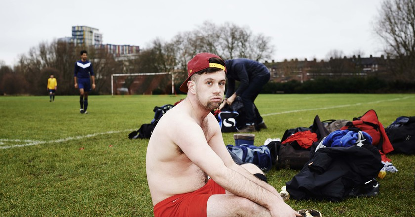 Changing on the side of the pitch is what Sunday football is all about. | © Chris Baker