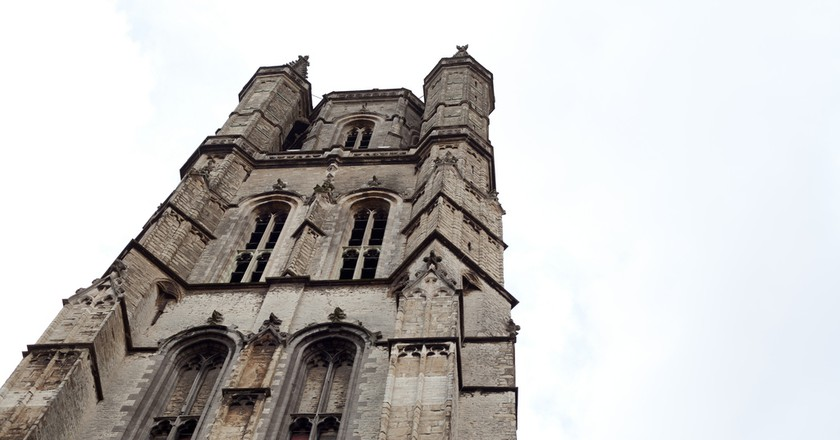 The Saint Bavo Cathedral went through a lot of looks before settling on a Gothic exterior in the 16th century | © Tom Page/Flickr