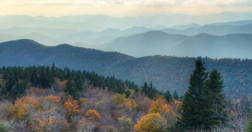 Cowee Mountain Overlook, Blue Ridge Parkway  | © Mary Anne Baker/Flickr