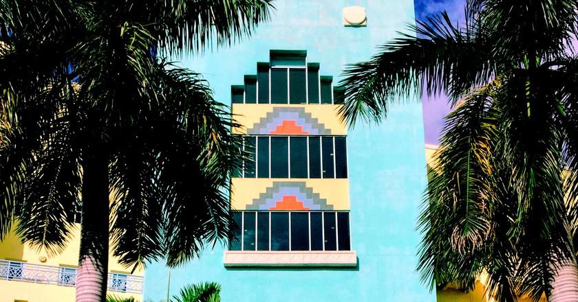 Art Deco exterior   © Francesca Saracao/Unsplash
