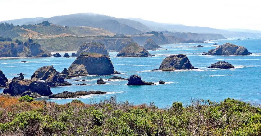 California-06465 - Rocky Coastline © DennisJarvis/Flickr.com