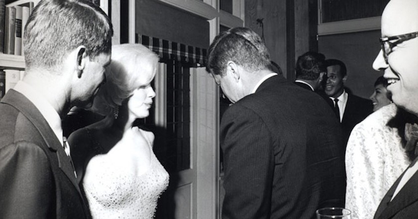 Monroe with US Attorney General Robert F. Kennedy and President John F. Kennedy at the 1962 birthday celebration | ©Cecil W. Stoughton