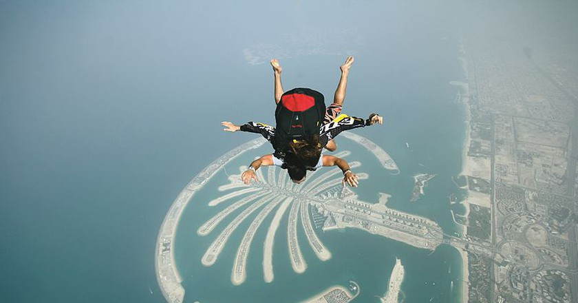 Skydiving over the Palm Jumeirah Island | ©Wikicommons