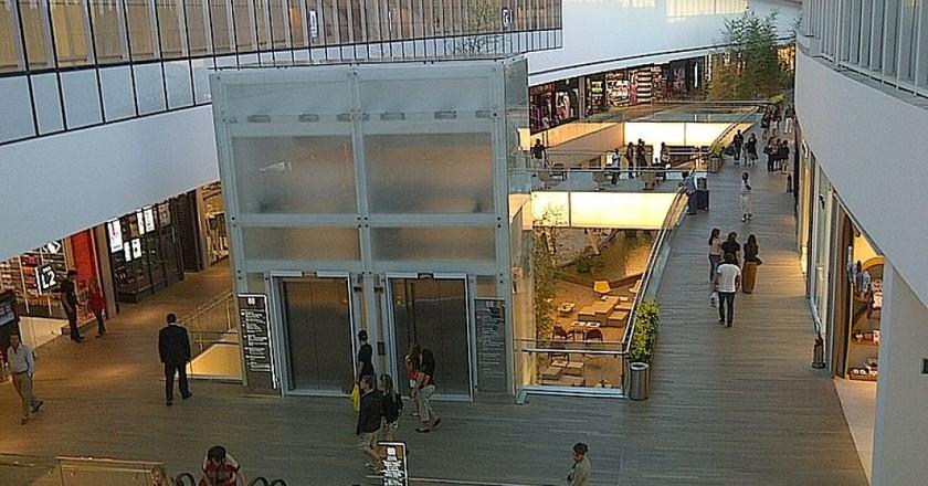 Village Mall |© soulflytribe/WikiCommons