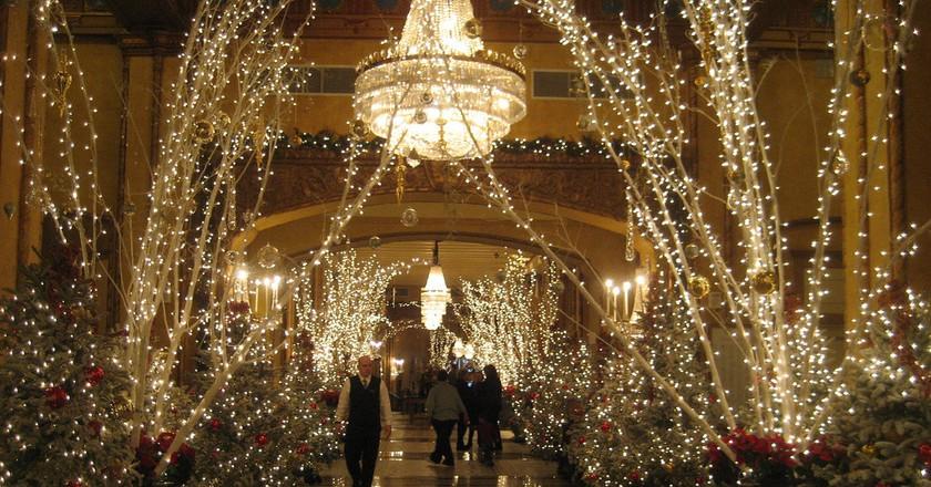 Roosevelt Hotel New Orleans lobby entrance   ©