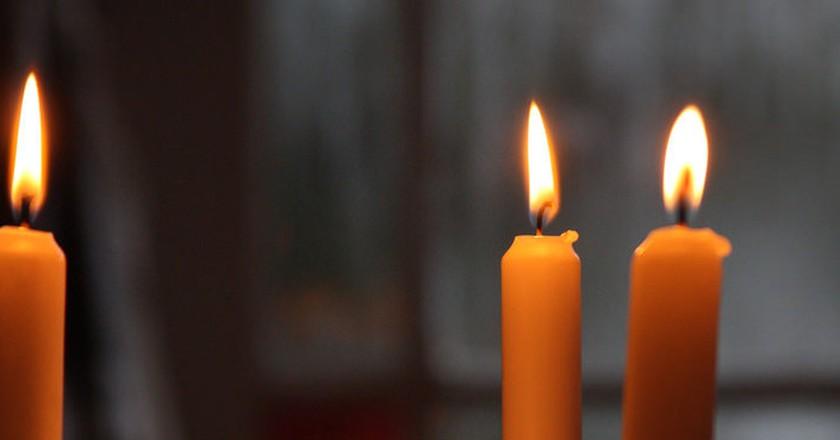 Christmas candle | © Simon Lee/Flickr
