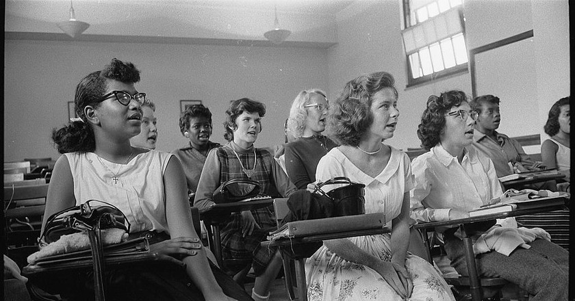 An integrated classroom in Anacostia High School, Washington, DC (1957) | ©Warren K. Leffler / Wikimedia Commons