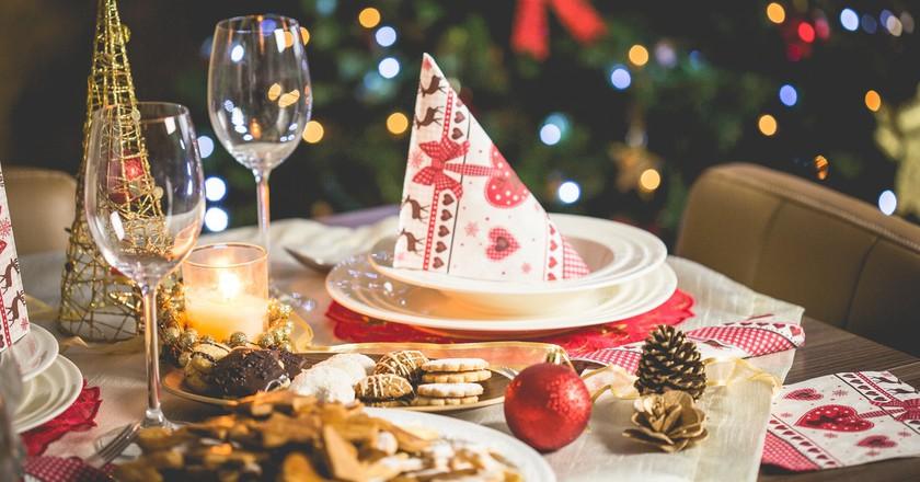 Christmas table   Pexels