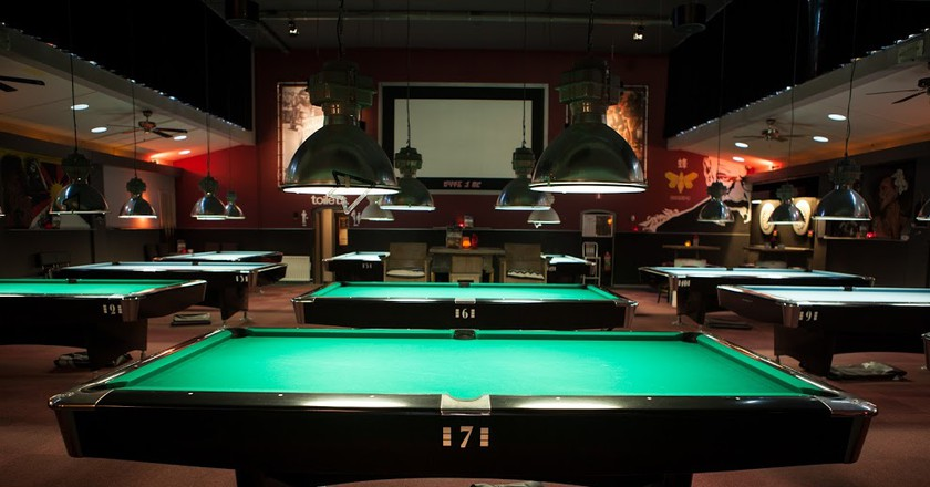 the best places to play pool darts and bar games in amsterdam