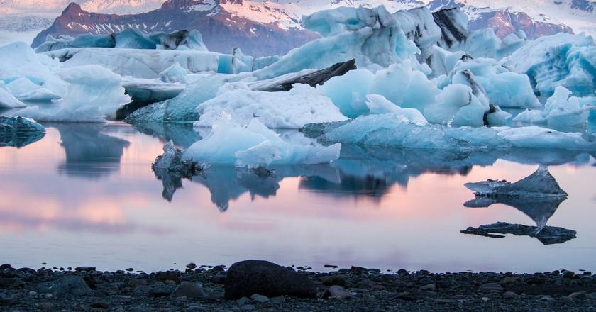 Jokulsarlon glacier lagoon, Iceland © Shutterstock
