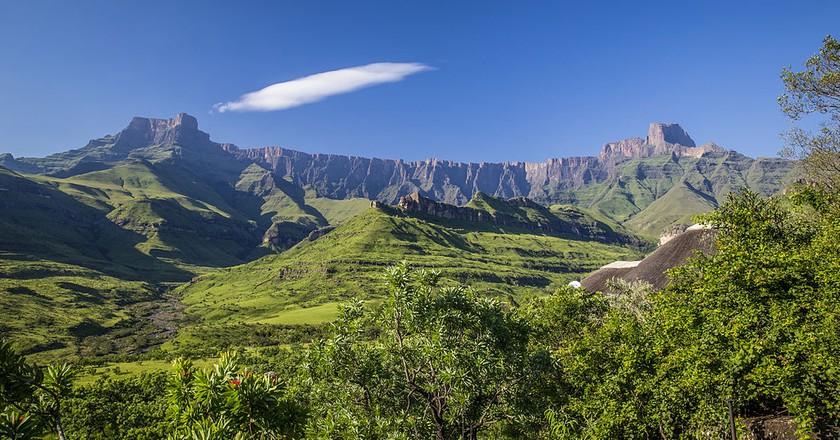 The Amphitheatre, Drakensberg Mountain Range, KwaZulu-Natal © Diriye Amey / WikiCommons