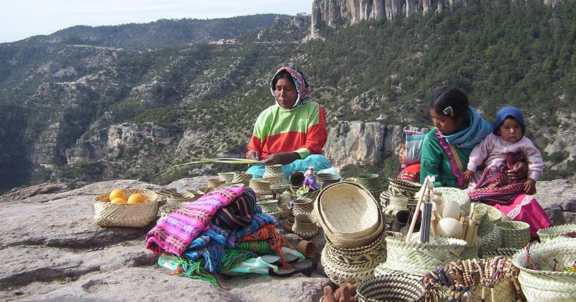 Tarahumara women | © Lance Fisher/Flickr