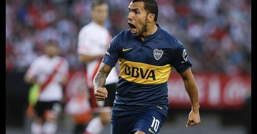 Carlos Tevez playing for Boca Juniors © Ronny Anderson Isla Isuiza / flicr.com