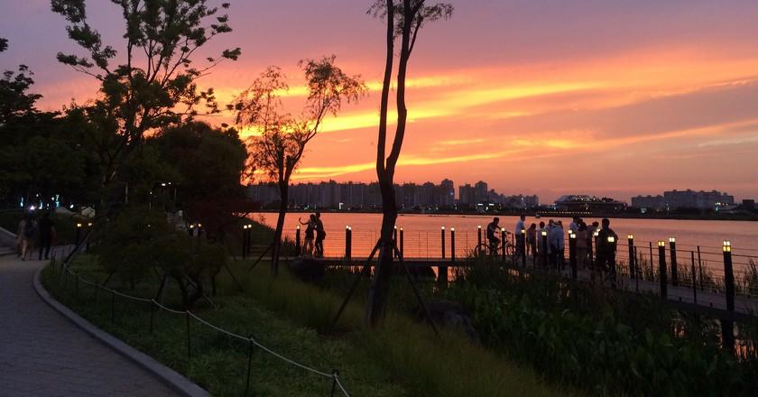 Suseong Lake at sunset   © Suseong-gu / Flickr