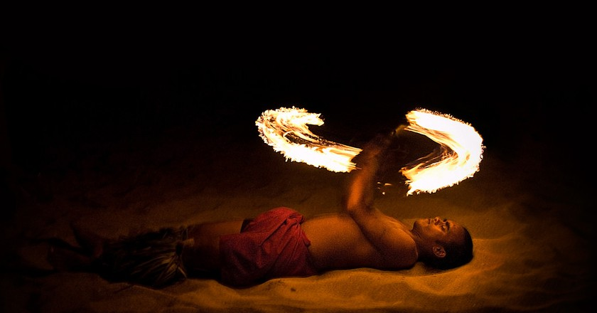 Fijian Fire Dancing | © Magnus Buseth / Flickr