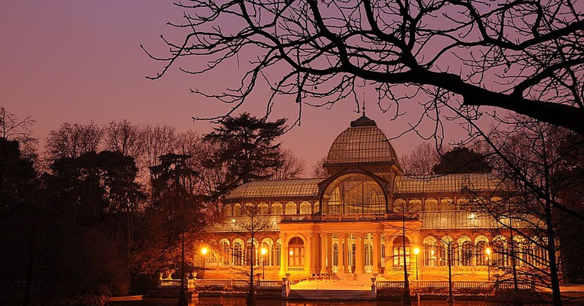 The Palacio de Cristal at night | © Felipe Gabaldón/ Wikipedia