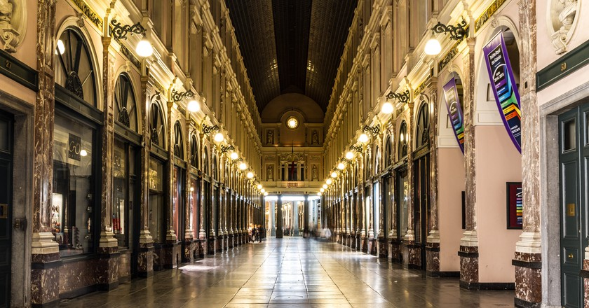 When living in Brussels, Victor Hugo sauntered down its majestic Galeries Royales daily | © Shemsu.Hor / Flickr