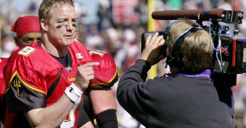 San Francisco Demons quarterback Mike Pawlawski giving a mid-game interview | © PAUL SAKUMA/AP/REX/Shutterstock