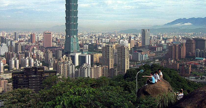 Taipei 101 from afar | ©  peellden / Wikimedia