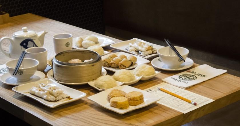 A table set with dim sum at Tim Ho Wan| © Amanda Suarez/Culture Trip