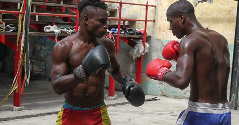 Boxers spar at the open-air Rafael Trejo Boxing Gym in Old Havana, Cuba | © Lynn Cianfarani