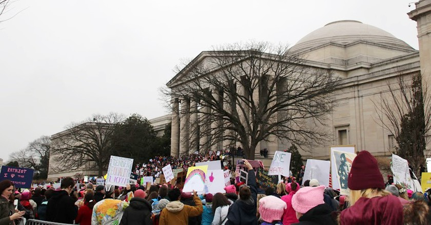 Marchers at the Natural History Museum on the National Mall  | © Summer Whitford / Culture Trip