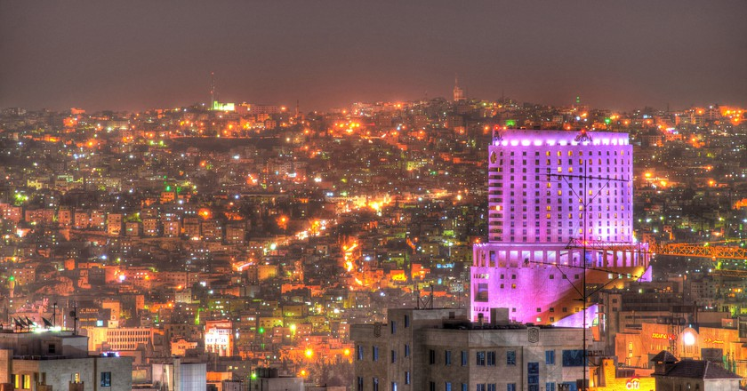 Colorful Lovely Lights of Amman |© Mahmood Salam / Flickr